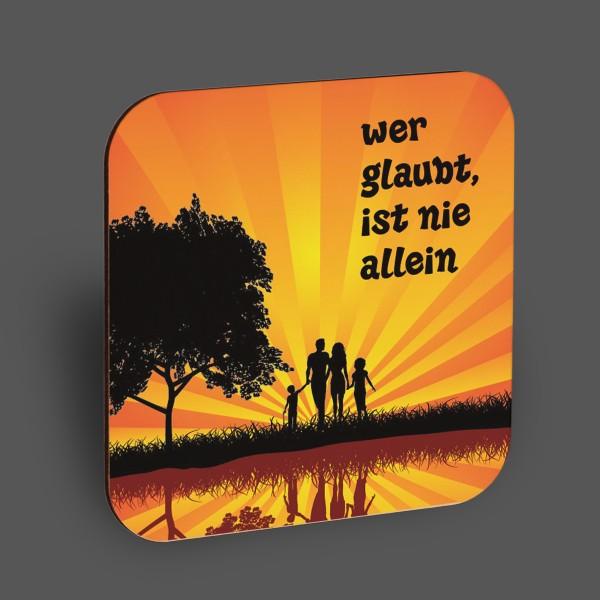 """Holzpostkarte """"Wer glaubt, ist nie allein"""""""